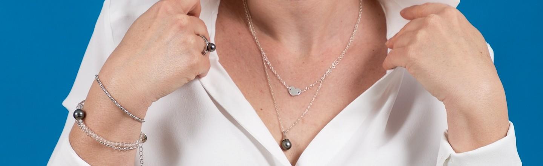 Chaines en argent avec perles de culture de Tahiti. Poé Tahiti